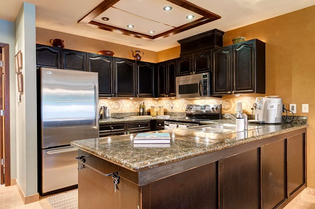 rental interiors design vacation kitchen